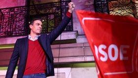 """Volby ve Španělsku ovládl premiér """"fešák"""". Posílila krajní pravice, Le Penová a Salvini jásají"""