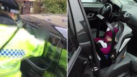 VIDEO: Panika a obrovský strach! Máma v autě zabouchla miminko i klíčky