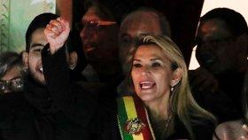 Bolívie má dočasnou prezidentku. USA stahují ze země své lidi kvůli nepokojům