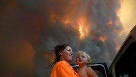 Ničivé požáry mají už čtyři oběti. V Austrálii marně čekají na pořádný déšť