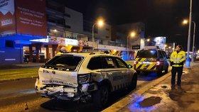VIDEO: Divoká honička a pak bum! Opilý mladík (20) to napálil do auta strážníků, tři zranění