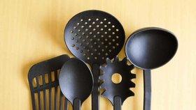 Plastové vařečky vás mohou připravit i o plodnost, varuje úřad. Odbornice přidala radu