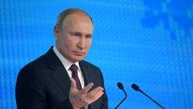 """""""Pracovali na extrémně pokročilých zbraních."""" Putin mluvil s rodinami mrtvých vědců"""