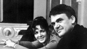 Kunderova žena: Disidenti manžela nenáviděli a báli se kvůli Havlovi. Emigrace je blbost