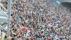 Loveparade: Paniku způsobil pád lidí z konstrukce do davu
