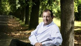 Höschl rezignoval na pozici šéfa Národního ústavu duševního zdraví. Co je za tím?