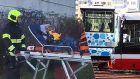Na Chodově se srazily dva autobusy, jeden plný malých dětí! 18 zraněných