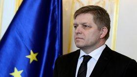 """""""Dárečky"""" pro voliče. Na Slovensku schválili čtyři dny před volbami 13. důchod a tučné přídavky"""