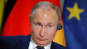 """""""Země potřebuje silného vůdce."""" Putinův příbuzný chce prorazit do parlamentu"""