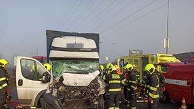Dopravní peklo na Jižní spojce: Kvůli nehodě se tvořily dlouhé kolony