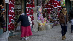 Město Betlém očekává rekordní turistickou sezónu. Láká na relikvii, které se dotkl Ježíš