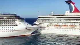 Hrůzostrašná srážka obřích výletních lodí: Jedna rozpárala druhou! Panika, křik, evakuace cestujících