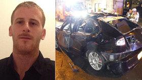 Carlovo (29) auto za jízdy vybouchlo: Mohl za to osvěžovač vzduchu