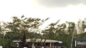 Vánoční peklo v exotickém ráji: Tajfun zabil na Filipínách 16 lidí, zemřel i chlapec (†13)
