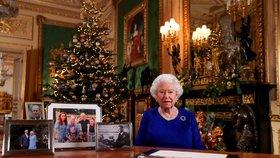 Alžběta II. promluvila o sporech a usmíření: Obtížný rok pro Británii i královskou rodinu