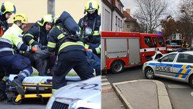 Plameny a štiplavý kouř! Požár bytu na Vinohradech o svátku vyhnal z domu několik osob a andulku