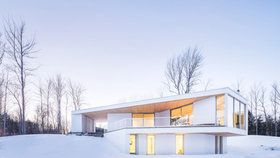 Minimalistická vila jako velkorysé okno do krajiny