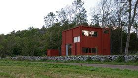 Dřevostavba pro bubeníka. Originální bydlení stojí na samotě na západním pobřeží Švédska