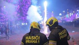 57 požárů, přes 50 zraněných i opilci za volantem: Praha přivítala nový rok