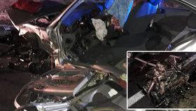 Vážná bouračka na Plzeňsku: 8 zraněných včetně dvou dětí! Motor při nárazu vyletěl z auta