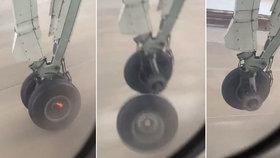 Letadlu upadlo při startu kolo: Hrůzu natočil přes okénko vyděšený pasažér