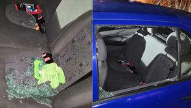 Smůla na druhou: Gauner se vloupal do auta, patřilo strážníkovi! Pěkně si na zloděje posvítil