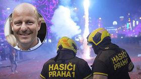 """Místo ohňostroje """"válečná vřava"""" v ulicích: """"Na Silvestra jde v Praze o život,"""" říká Hlubuček. Město chystá vyhlášku"""