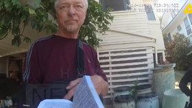 Čech Jaroslav prý na Havaji pobodal bytnou, postřílel policisty a pak požárem zničil 7 domů