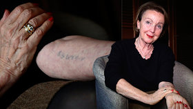 Evu odvezli do Osvětimi jako batole: Když jí tetovali číslo, omdlela
