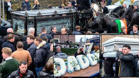 """Na pohřbu """"krotitele koní"""" truchlila tisícovka nejbližších: Procesí připomínalo prvomájový průvod"""