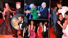 Rozjuchaný Český ples: Kdo se na parketu neudržel? Faltýnek s rozevlátou blondýnou, trsající miliardář, vášeň Vignerové i Venduly