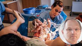 """Úžasné! Fotografka zachytila miminko """"surfující"""" z dělohy! Co na snímek říká přední porodník Pařízek?"""