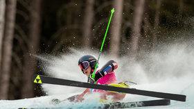 Češka (47) v Alpách utrpěla na lyžích těžké zranění. Snowboardista po srážce ujel