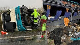 Při tragické nehodě autobusu zemřelo 12 lidí: Šokující zvrat ve vyšetřování!