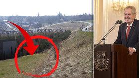 """Zeman ještě letos """"kopne"""". Prezident dostal stavební povolení pro bungalov v Lánech"""
