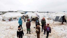 Při náletech v Sýrii zemřelo 22 tureckých vojáků. Erdogan otevírá uprchlíkům cestu do Evropy