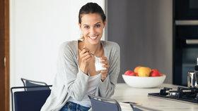 Ušetřete kalorie a nahraďte tyto zdravé potraviny jejich dietnější variantou!
