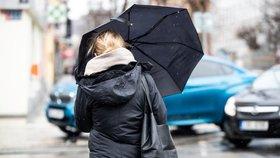 Počasí jako na houpačce: Příští týden bude nadprůměrně teplý, pak se ochladí