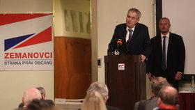 Zemanovci nemají výrazného lídra, kritizoval Zeman na sjezdu. A zmínil slovenské volby