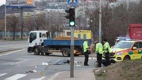 Tragické ráno v Michli: Muž zemřel po srážce s náklaďákem. Policie hledá svědky