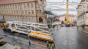 Rozporuplná lávka v Praze 6: Budovy VŠCHT spojí dva ocelové můstky za 60 miliónů, jejich stavba začala