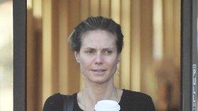 Tak to je rozdíl! Poznali byste nenalíčenou topmodelku Heidi Klumovou?