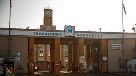 Další lék proti koronaviru: První pacient v Thomayerově nemocnici dostal japonský favipiravir