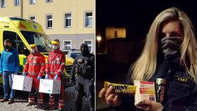 Policisté darovali respirátory zdravotníkům: Sami je nemáme, zlobí se příslušníci