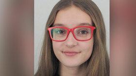 Zmizela Simča (14) z Frýdku-Místku: Hledá ji policie i vyděšená máma