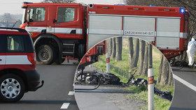 Smrtelná nehoda motorkářů u Poděbrad: Zachránci zveřejnili děsivé fotografie