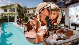 Koronavirová izolace v luxusu: Blogerský pár štve veřejnost přepychovým sídlem na Bali