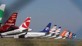 Pražské letiště jako parkoviště: Na ploše je odstavených 60 letadel, další přibudou