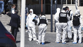 Útok v době koronaviru: Migrant pobodal dva lidi ve Francii, zranil i dítě