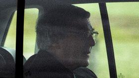 Kardinál Pell je venku z basy. Soud ho zbavil obvinění ze sexuálního zneužívání
